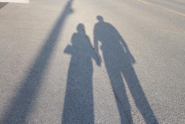 カップルの影の画像