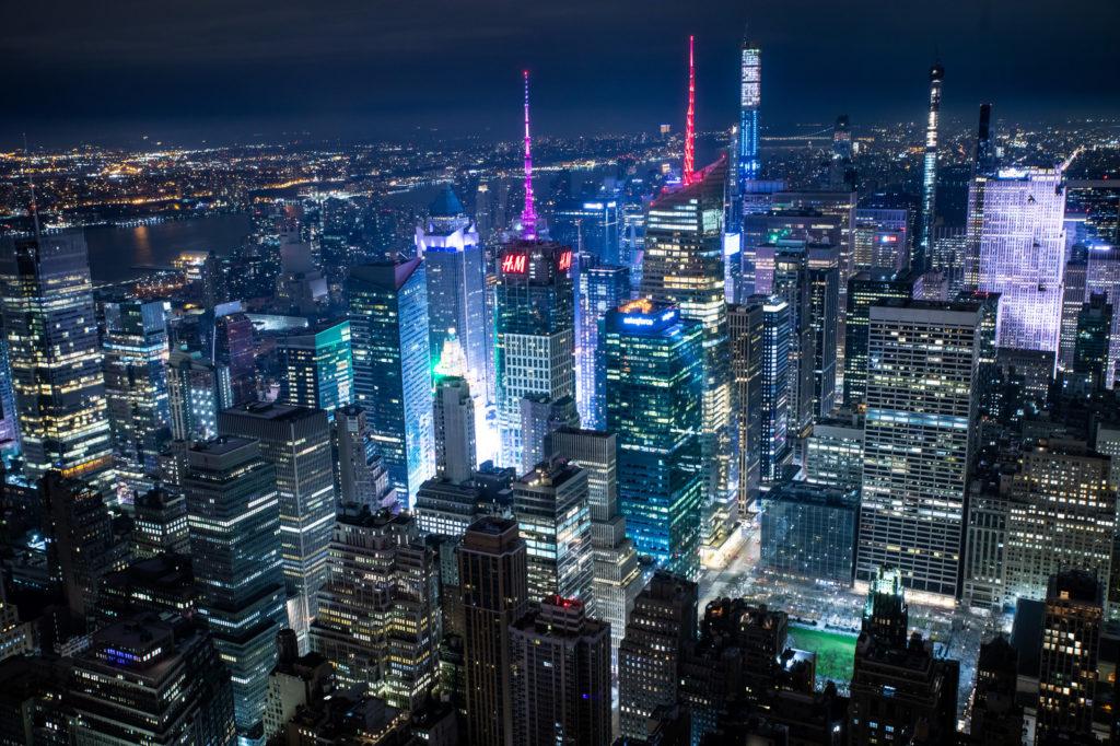 ニューヨークの夜景の街並みの画像