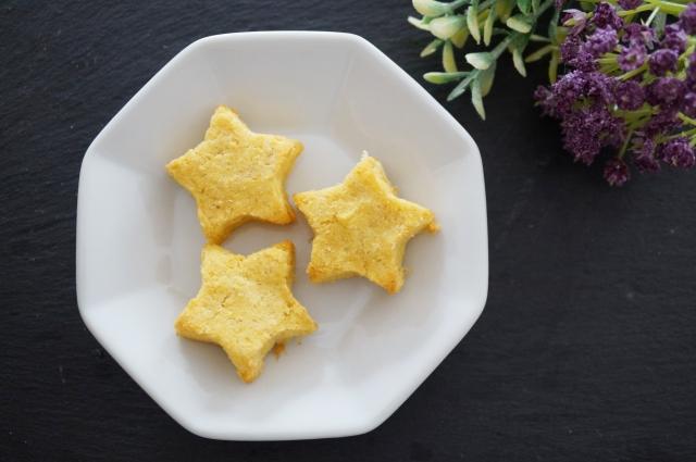星形のおからクッキーの画像