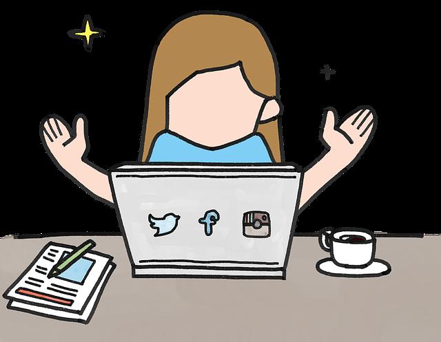 パソコンの前で両手を広げて喜んでいる女性の絵の画像