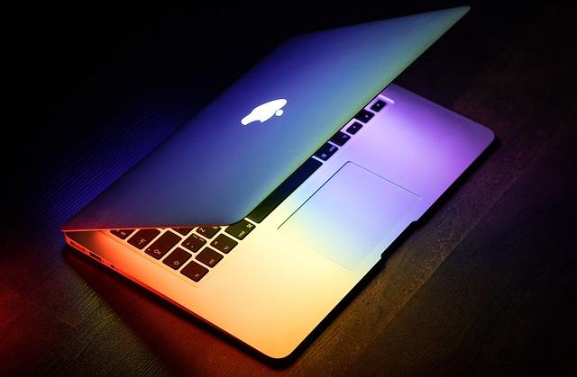 ブログで使っているMacbookの画像
