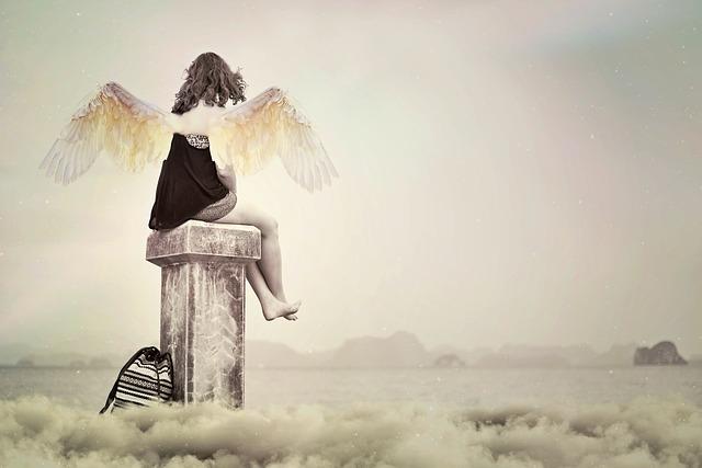天使の羽がある女性の画像