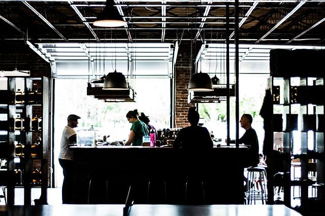 オシャレなカフェの店内の画像