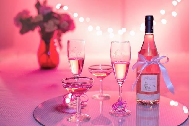 ピンクのシャンパンの画像