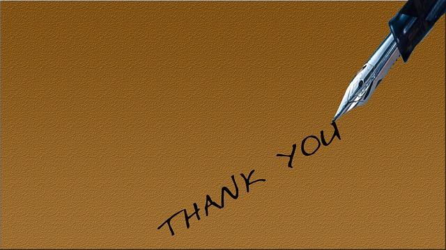 thankyouとペンで書いている画像