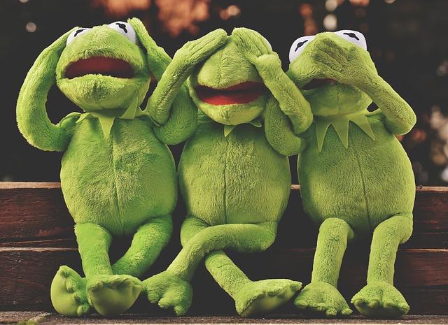 カエル三匹の画像