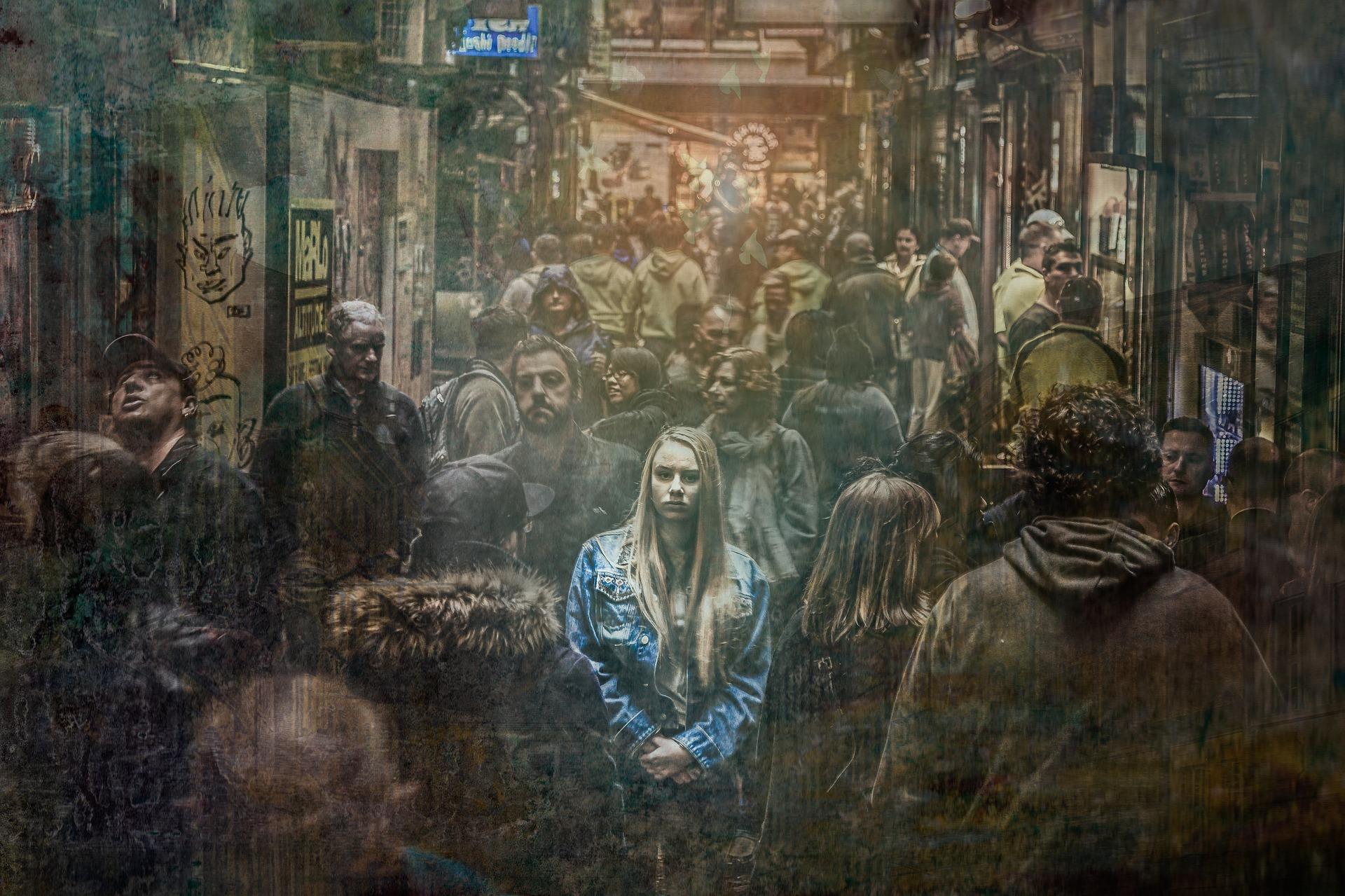 孤独な人生を感じている金髪の少女の画像